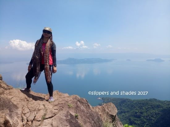 Standing near Buwis-buhay spot of The Rockies