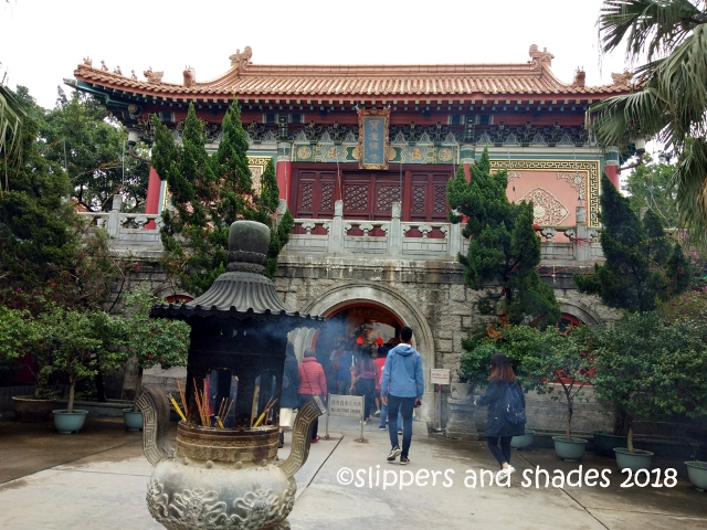 the marvelous architecture of Po Lin Monastery