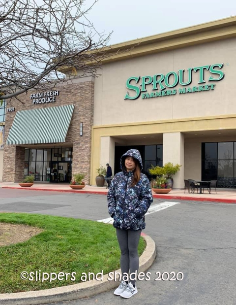 the freezing weather did not hamper my excitement to buy varieties of apples @ Sprouts Farmers Market
