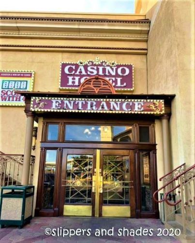 the entrance to the casino